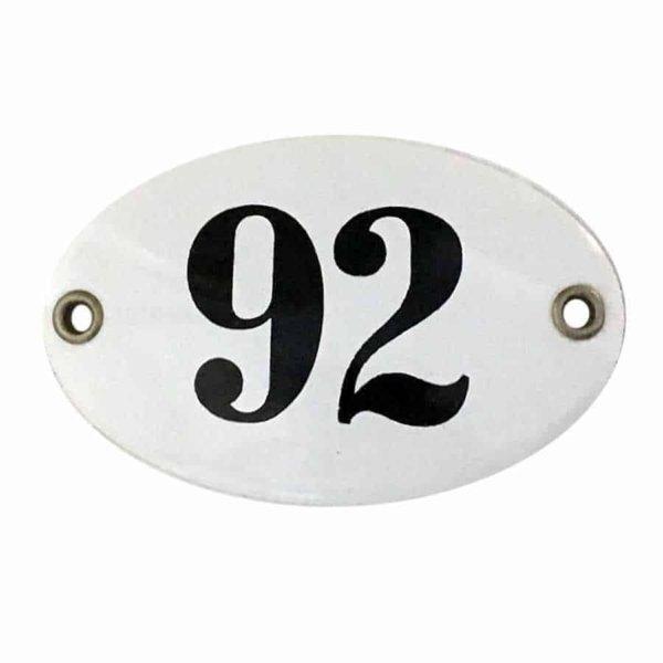 Nummer 99 ovales Schild