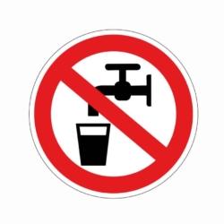Verbotsaufkleber.Kein Trinkwasser